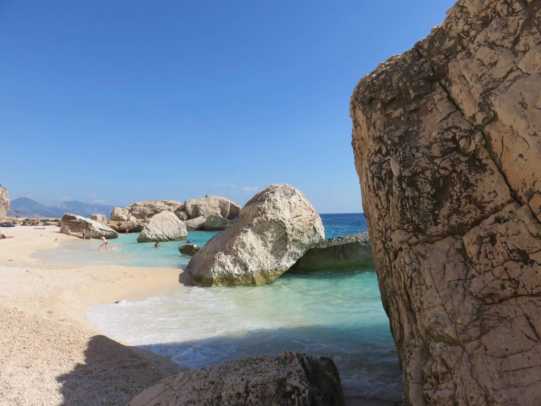 Der Strand von Cala Mariolu, Sardinien