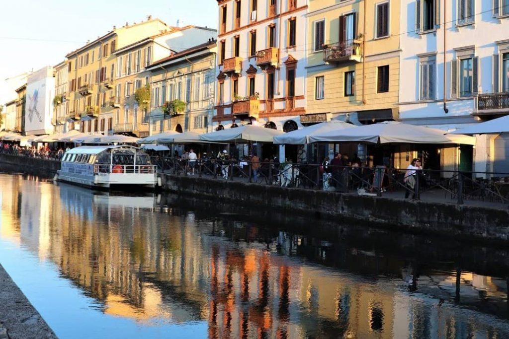 """Kanäle """"Navigli"""" von Mailand am Sonnenuntergang"""